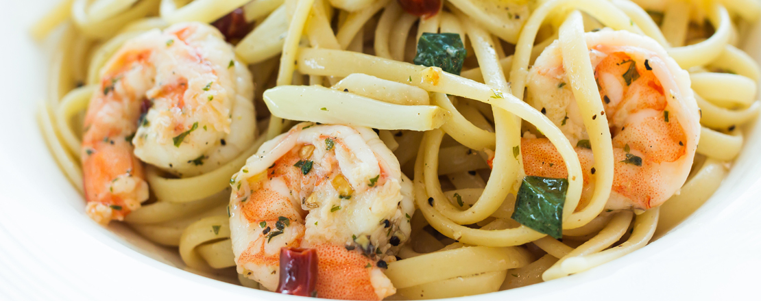 Garlic Gluttony Prawns with Pasta & Spinach