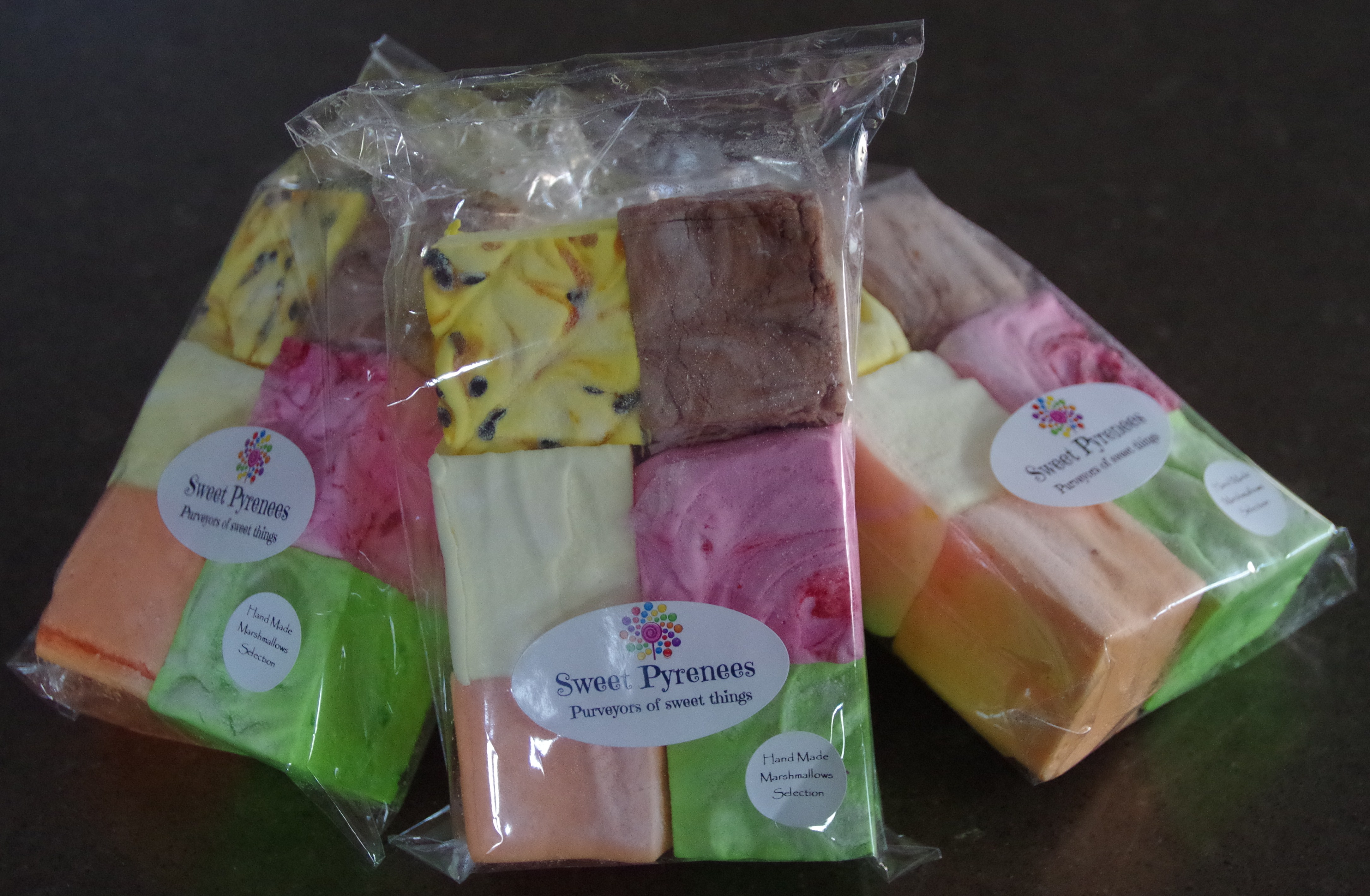 6 pack of assorted Marshmallow flavours. Approx. 280g